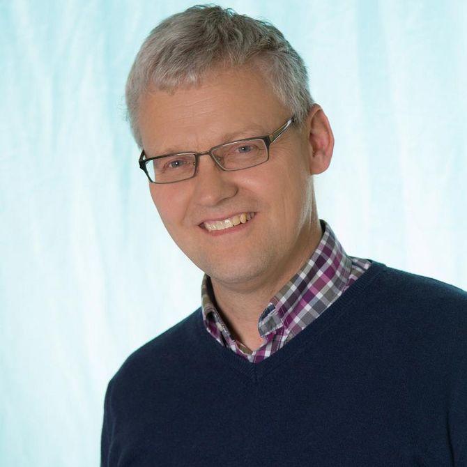 Herr Reimers (Mittelstufenleiter 9/10, PES)