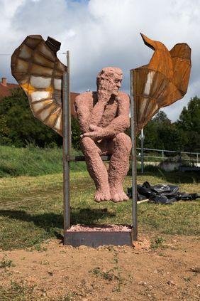 """""""Die Gedanken sind frei"""" - Skulptur von Volker Krebs. Foto: Linus Kohm"""