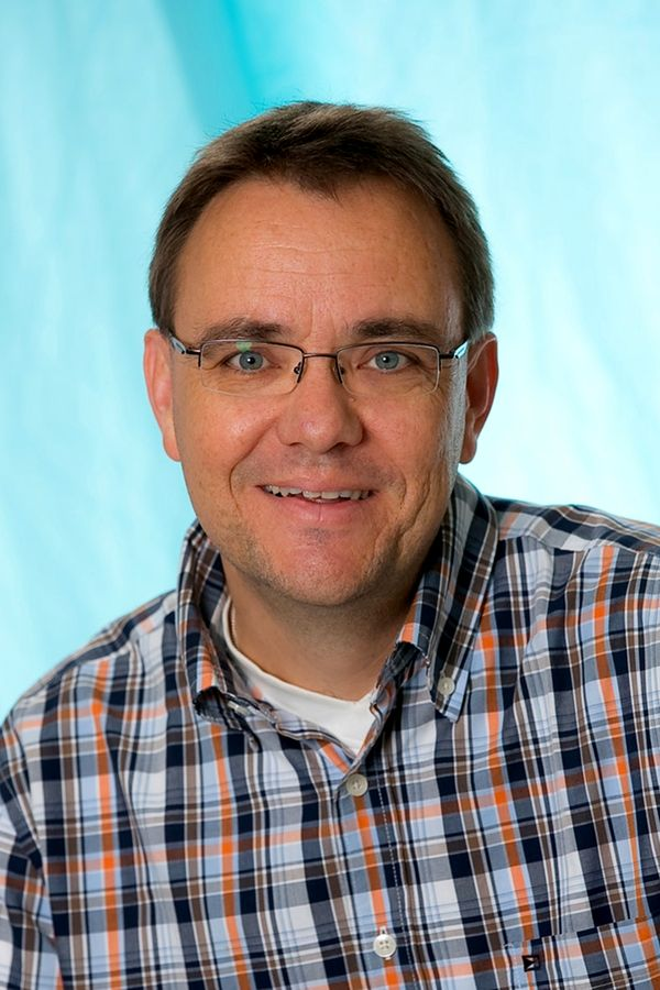 Herr Braun (Mittelstufenleiter 7+8, Berufsorientierung)