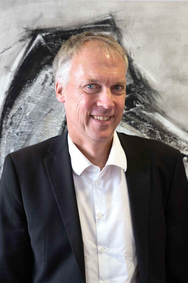 Herr Jähne (Schulleiter)