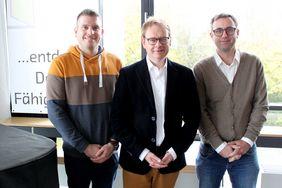 Hr. Gebhard mit den Sozialkundelehrern Hr. Beiner (li.) und Hr. Butz (re.)